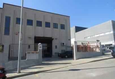 Nau industrial a La Pau-Lloreda-Puigfred-Montigalà