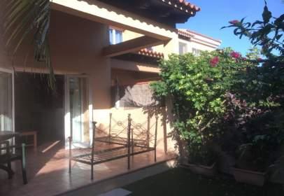 Casa adosada en Corralejo