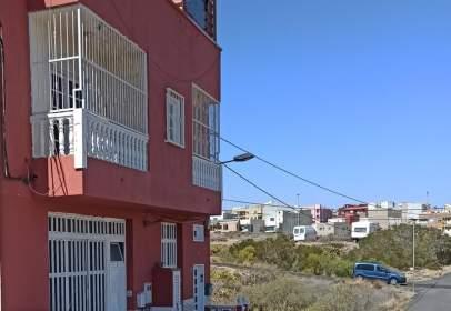 Piso en calle El Almendro, 36