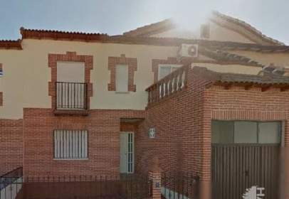 Casa adosada en Alcabón