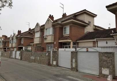 Casa adosada en calle de Oviedo, nº 42