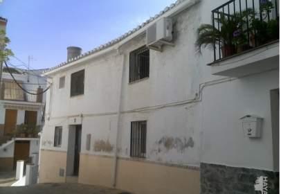 Casa adosada en Alozaina