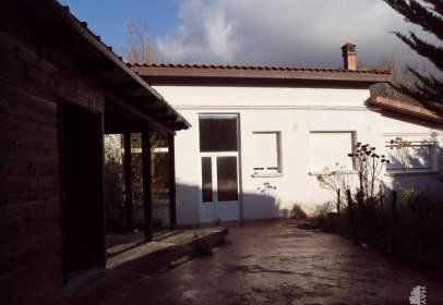 Chalet en calle Albeniz, nº 3