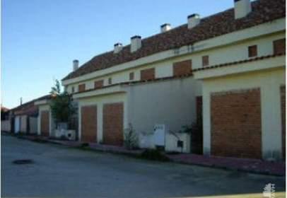 Casa adossada a La Torre de Esteban Hambrán