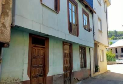 House in Folgoso de La Ribera