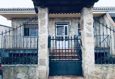 Casa adosada en Manganeses de La Lampreana