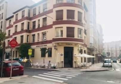 Piso en calle de Ramón y Cajal, nº 69