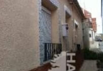 Casa adosada en calle Cuevas, nº 25