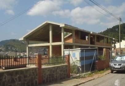 Casa adossada a Vallirana