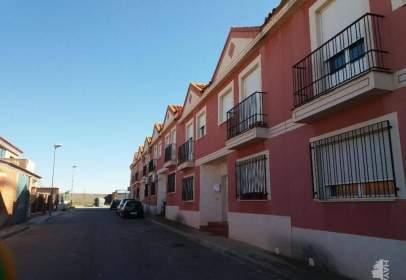 Casa adosada en calle Sancho Panza, 28