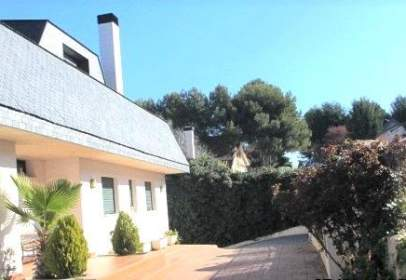 Casa en Avenida del Pinar, cerca de Calle del Romero