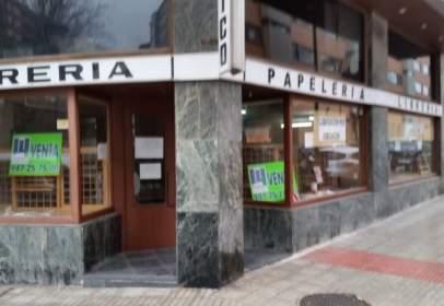 Local comercial a calle Fco.Sarmiento
