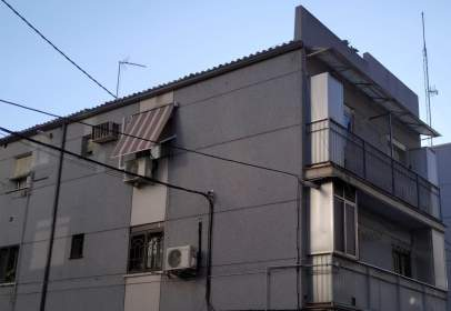 Pis a calle Luis de La Fuente