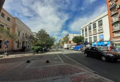 Piso en Avenida de la Albufera, cerca de Calle de la Virgen