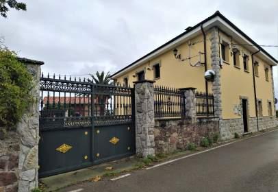 House in San Cristóbal (Castrillón)