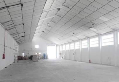 Industrial building in Centro-Arroyo-La Fuente