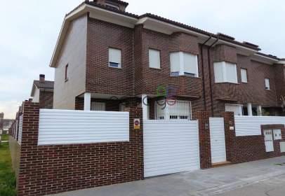 Casa adossada a calle Francisco Quevedo, nº 19