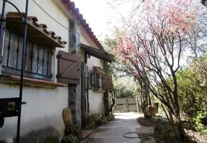 Casa en Finca Rústica en El Término de Belver de Cinca.