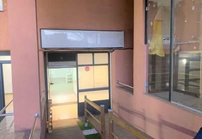 Commercial space in En Pleno Doctor Moragas