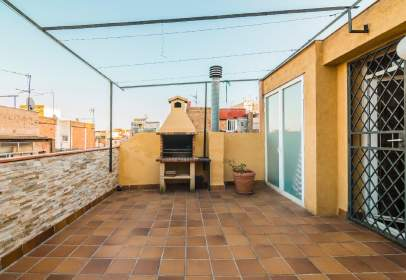House in Hospitalet de Llobregat. 5 Min del Mercado de Collblanc