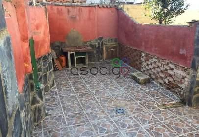 Casa adossada a Yunquera de Henares