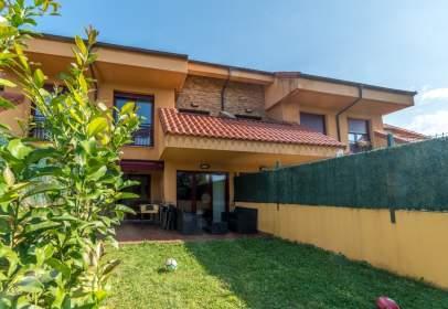 Casa en calle Ideal Rosales, nº 52