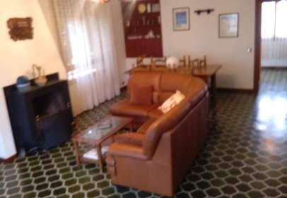 Single-family house in Carretera Soria