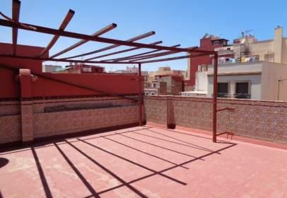 Terraced house in Avenida de Castelar