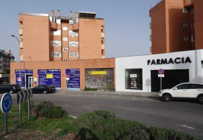 Almacén en calle Pilar Miró