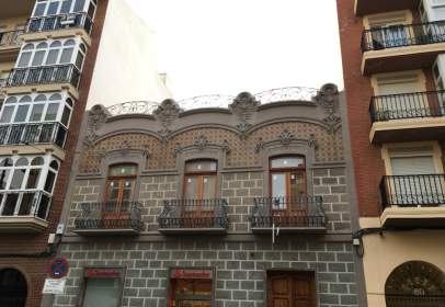 Flat in calle Mayor, near Calle de Balmes