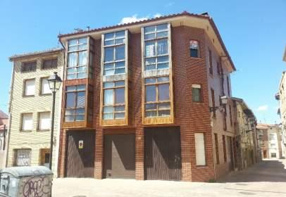 Flat in Plaza de Bonifacia del Campo, nº 8