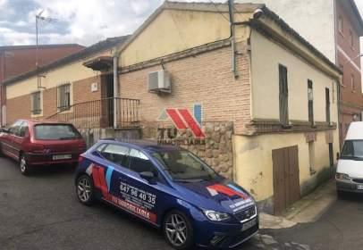 Casa adosada en calle Maqueda, nº 9