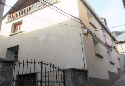 Casa adosada en Avenida San Juan de Plan, nº 02