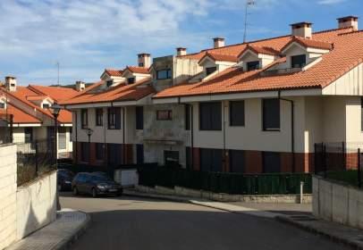 Piso en Barrio de Maeda