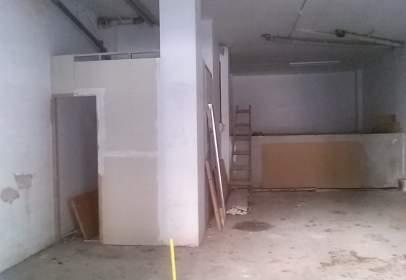 Warehouse in Carrer de Joaquim Ruyra