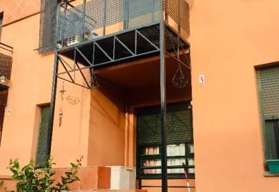 Casa adosada en calle de los Cedros, nº S/N