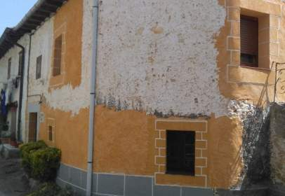 Casa adossada a calle Navagos, nº 37