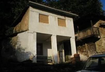 Rustic house in Vía Burganeo , nº 3