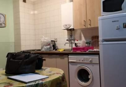 Apartamento en calle C/ La Iglesia, nº 5