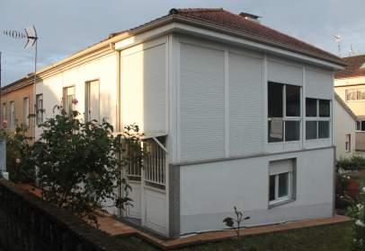 Casa pareada en calle de Nogueira de Ramuín, 12