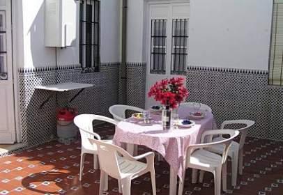Casa adossada a calle del Almirante Enríquez, 3