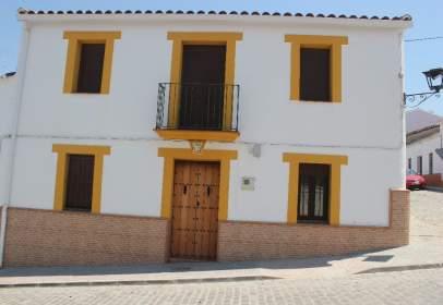 Casa adosada en calle de Pérez Galdós, nº 5