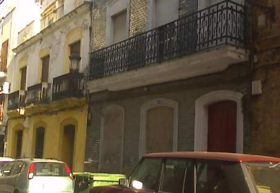 House in calle de Isaac Peral, nº 12