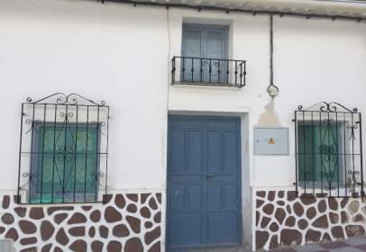 Casa adosada en calle Alta, nº 12