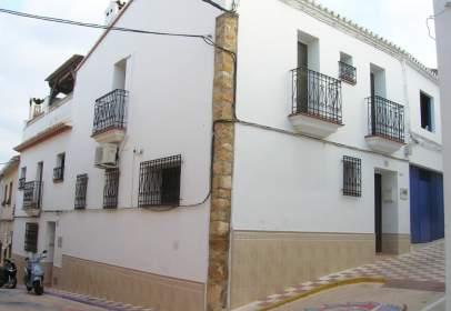 Casa adosada en calle Mare Elisea, nº 16