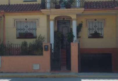 Paired house in Avenida del Guadalquivir, 79