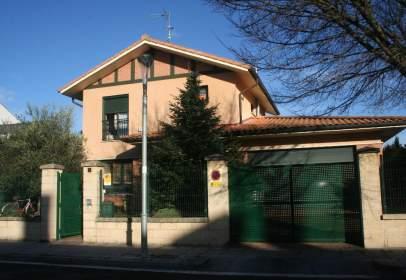 Chalet unifamiliar en calle de Urbegi, nº 3