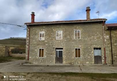 Casa adossada a calle Sta Agueda, nº 7