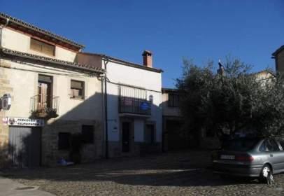 Casa adosada en Plaza del Chorro, nº 3