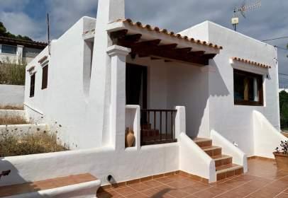 Single-family house in Avinguda Cap Martinet, nº 301